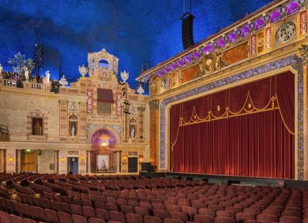 saenger theater is a historic landmark in New Orleans. Be amazed by their spectacular plays and broadway shows.