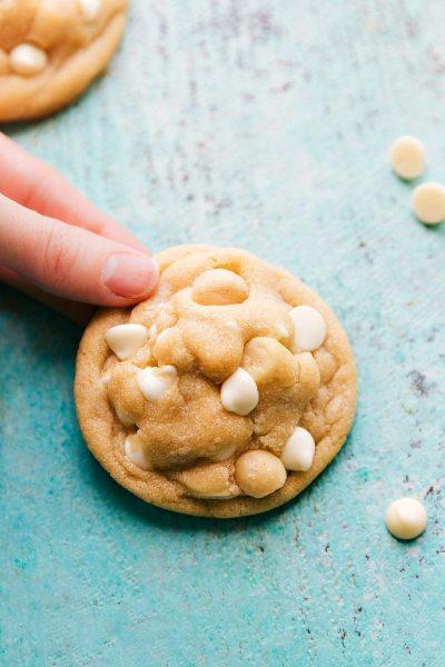 White-Chocolate-Macadamia-Nut chelseas messy apron