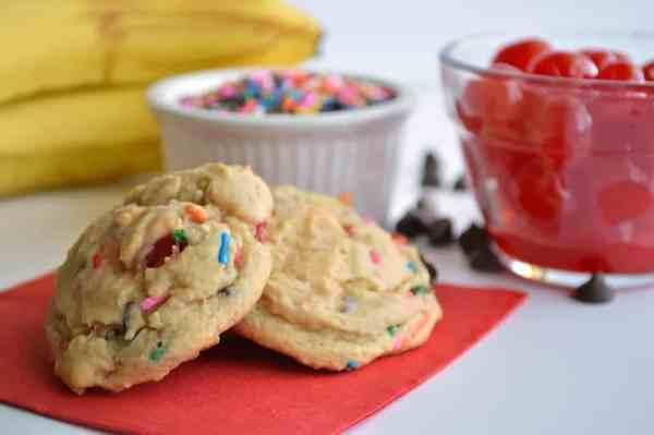 banana-split-cookies house of yum
