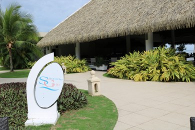 Seaside grill is perfect for a nice lunch or dinner next to the ocean. Enjoy all of what playa bonita panama has to offer.