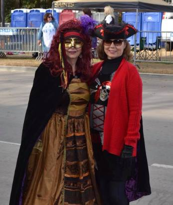 Costumes are abundant during Mardi Gras in New Orleans. Come enjoy the sites and learn all about how to make your trip successful with this FREE guide.