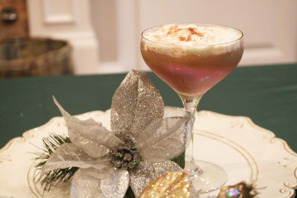 The North Pole Cocktail is like Christmas in a cup! Full of creamy chocolate, with hints of cinnamon, vanilla and coffee. The ultimate christmas drink this holiday season!
