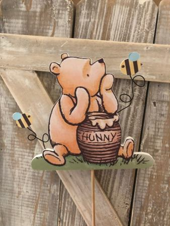 Winnie the pooh cake topper is perfect for adding that special touch to any cake! Whether its for a birthday or baby shower it will be the perfect addition.