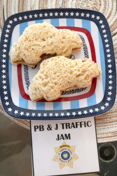 Peanut butter and jelly traffic jam sandwiches. A cute sandwich idea to go with any car lover or police theme party! See more ideas for a police themed party at adventuresofb2.com