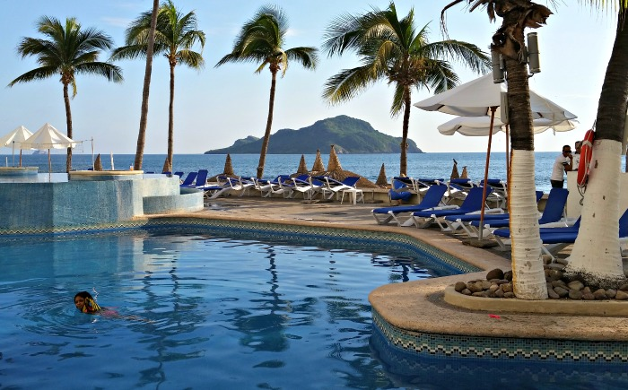 Is a Visit to Mazatlán in Your Future? Empty Nesters are Flocking There!