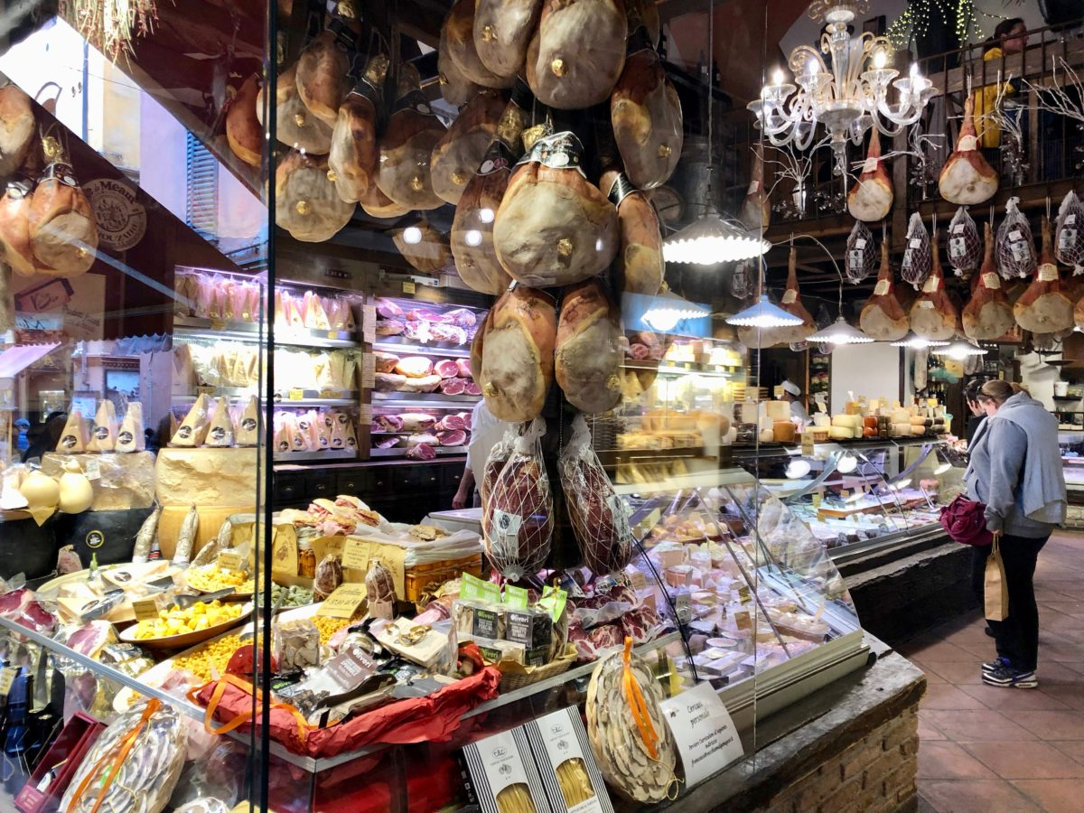 A Visit to Bologna – A Delicious & Vibrant Must-See City In Italy!