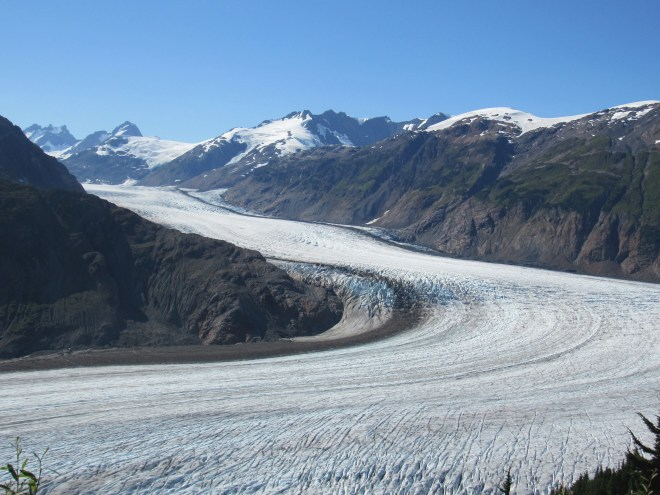 Looking WNW at the huge sweeping curve of the Salmon Glacier for the last time.