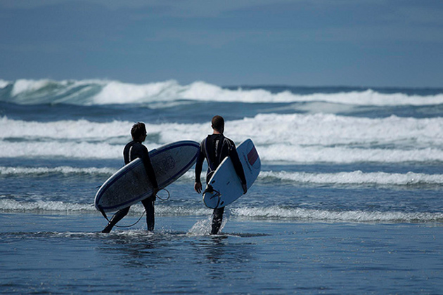 011127227868 Hitting the waves at Seattle's closest surf destination—Westhaven State  Park; photo courtesy of