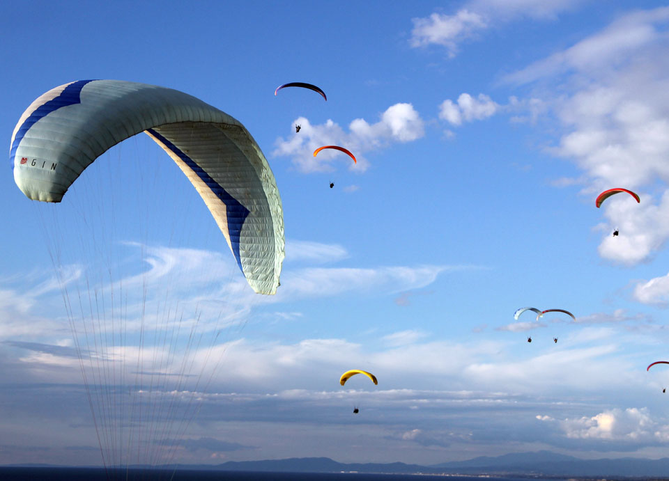 Paraglide and go naked at Torrey Pines State Beach