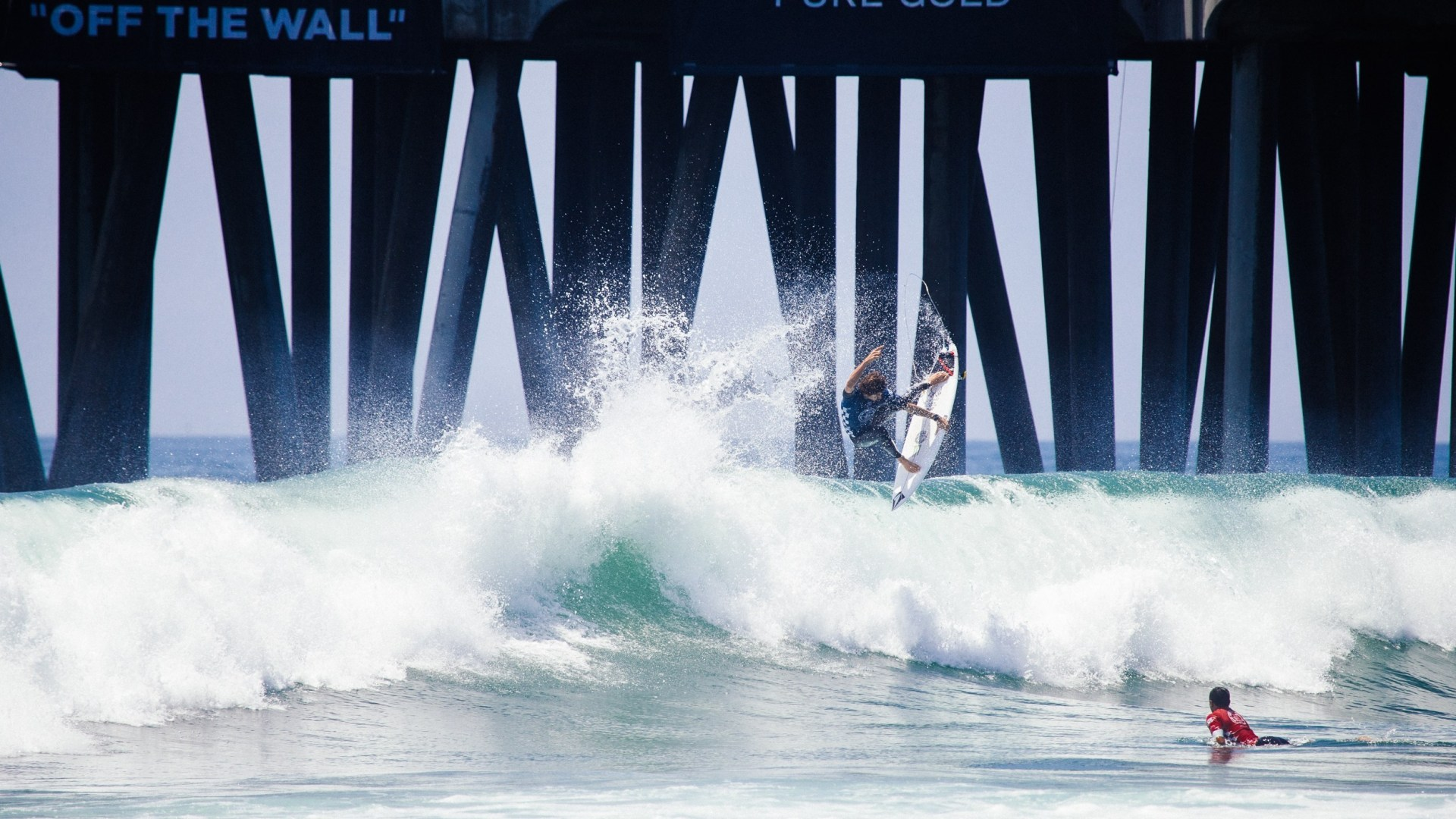 A Photo Gallery of Everything Awesome From the Vans US Open of Surfing