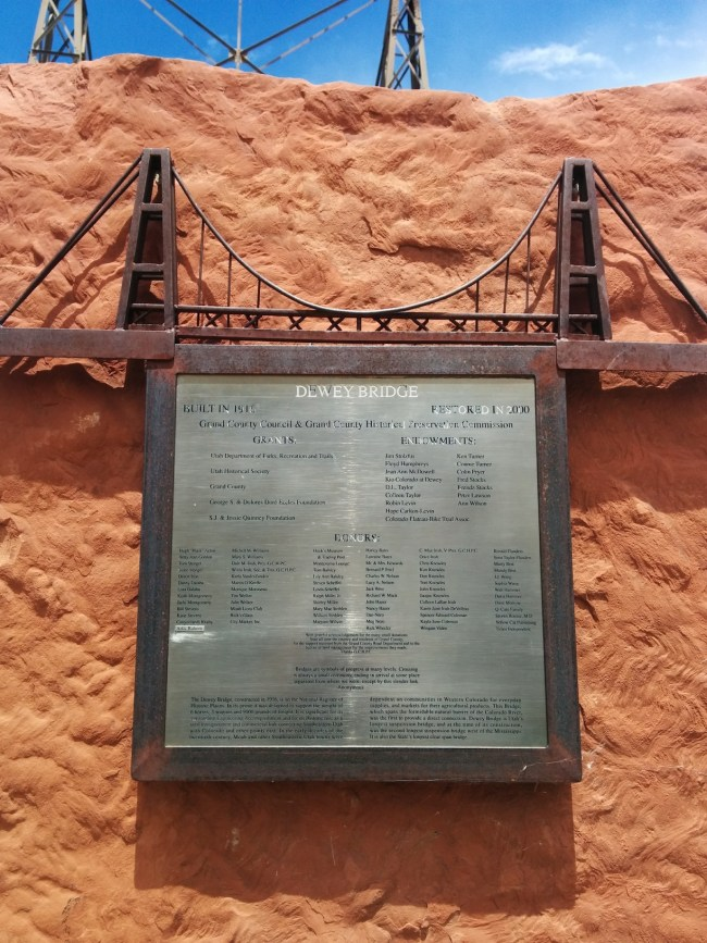 Artistic Plaque With Some Bridge History And Statistics