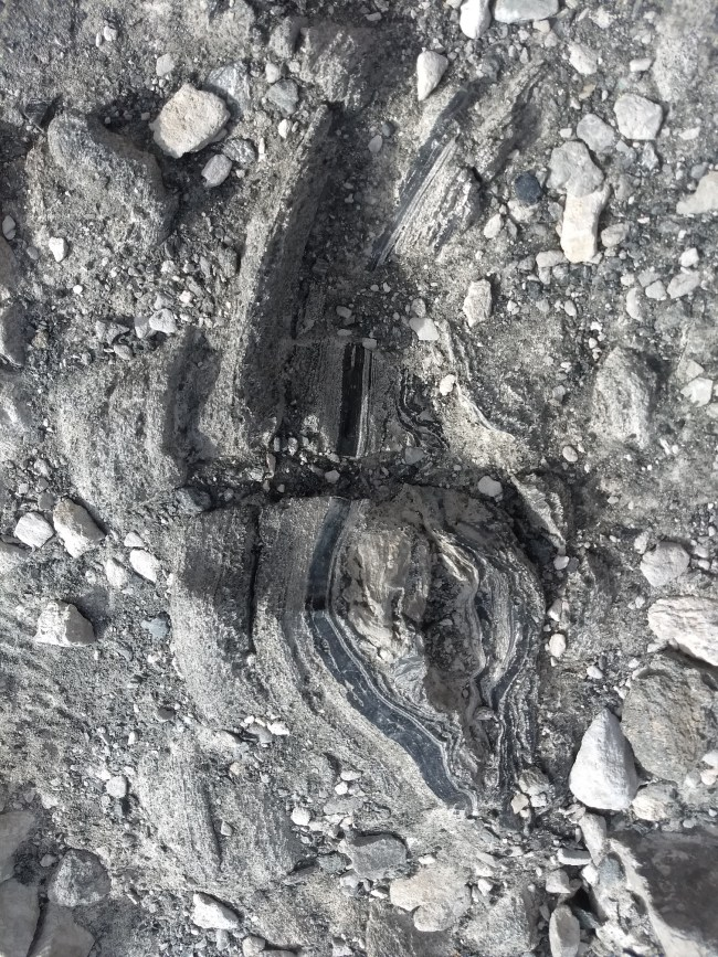 Section of the obsidian swirled with pumice
