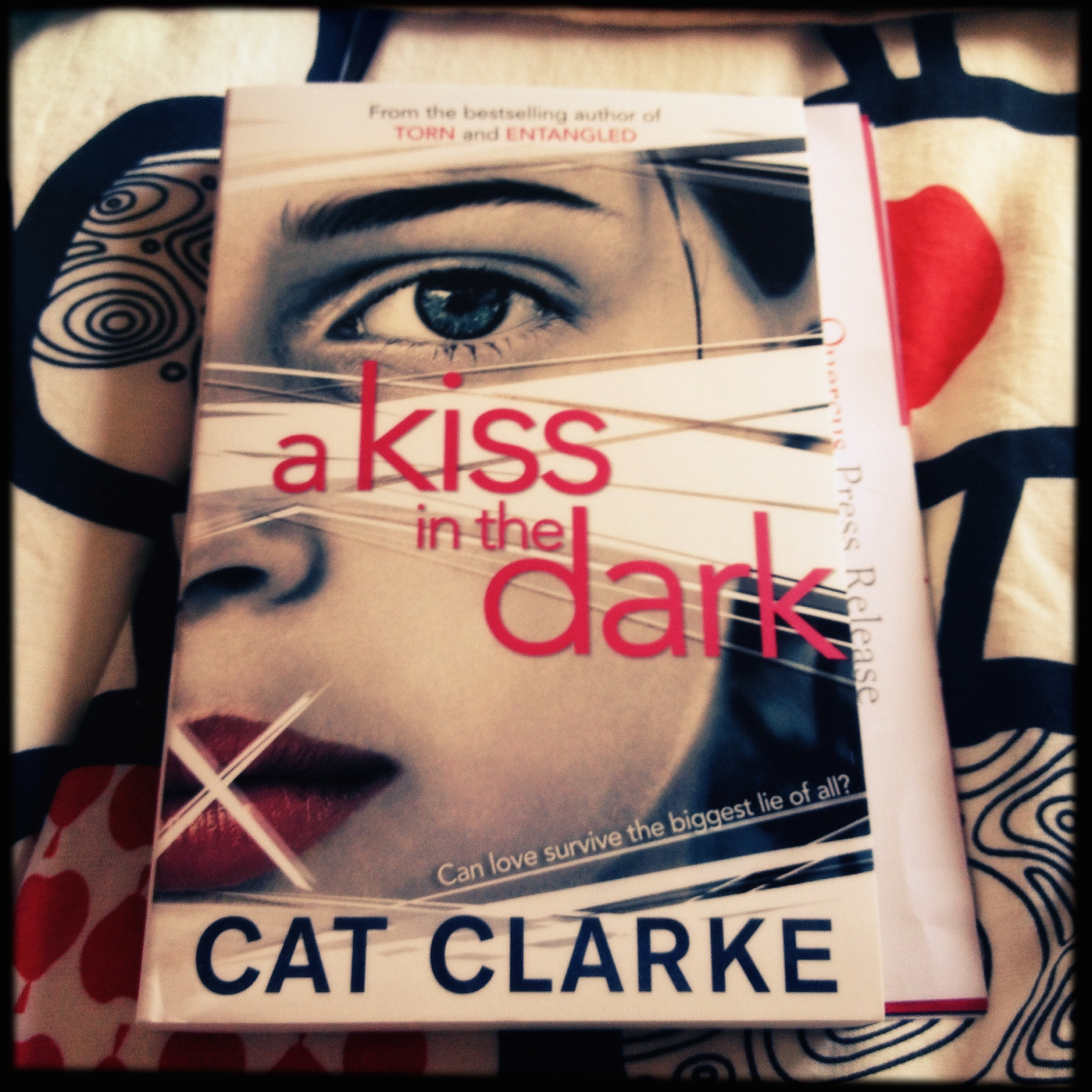 #UKYADay Review: A Kiss in the Dark by Cat Clarke