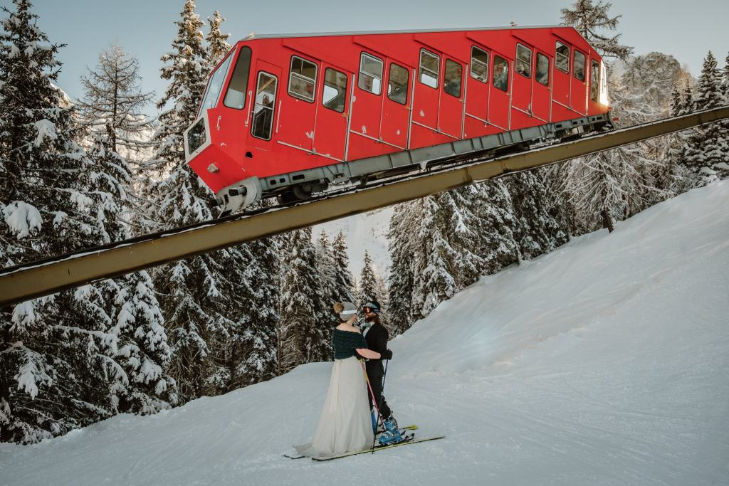 Skiing wedding in Axamer Lizum by Wild Connections Photography
