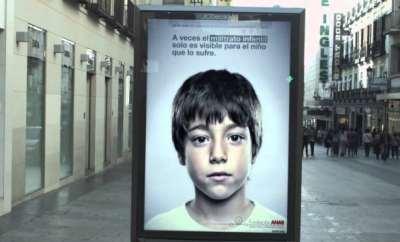 anar-foundation-clever-lenticular-ad-targets-kids