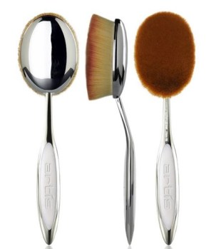 the Artis Oval 10 makeup brush is so large, it almost looks like a baby's hairbrush!