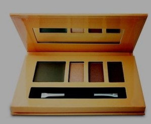 Skimming the new SKINN makeup products from Dimitri James, unusual & travel-friendly