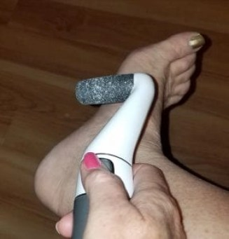the Silk'n Pedi Pro is so easy to use