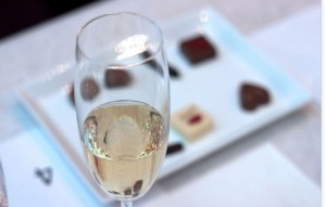 J'adore le champagne et le chocolat (I love Champagne & Chocolate)