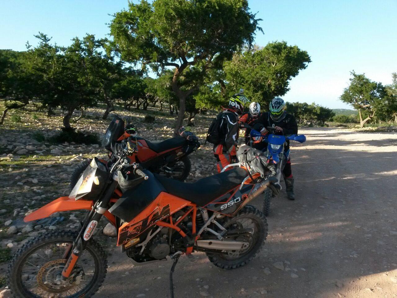 Motos en un punto de encuentro