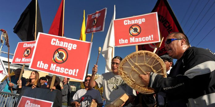 anti-redskins protesters