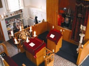 b_300_0_16777215_00_images_interieur_synagoge_aalten_Small.jpg