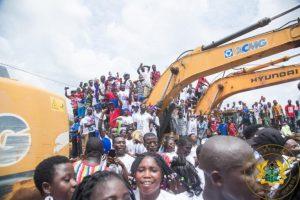 Akufo-Addo inspects Dadieso Roads projects 8