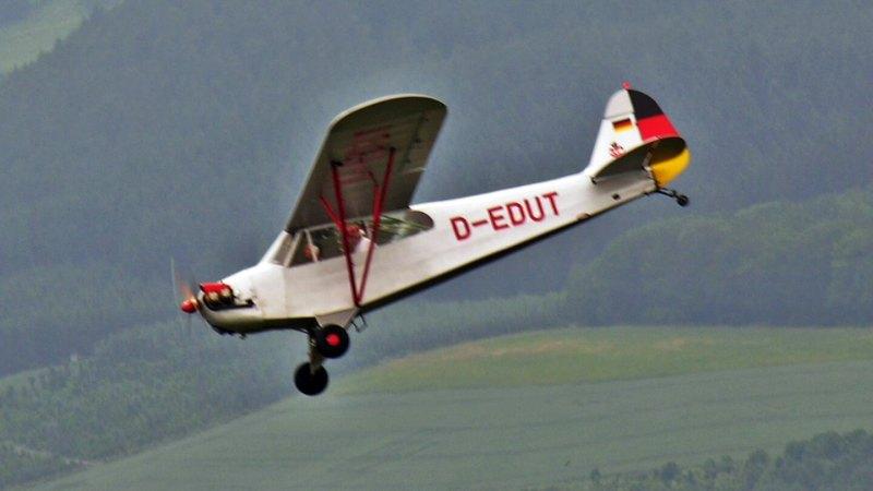 Piper J3C - in memoriam Urban Kirchberg