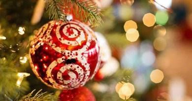 La Nostra impresa Le porge i più sentiti auguri di un buon Natale da trascorrere in allegria ed armonia.