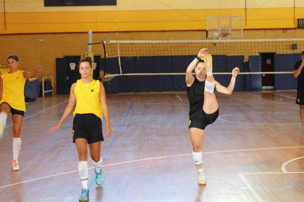 aek-women-volley-proetoimasia1.jpg?resiz