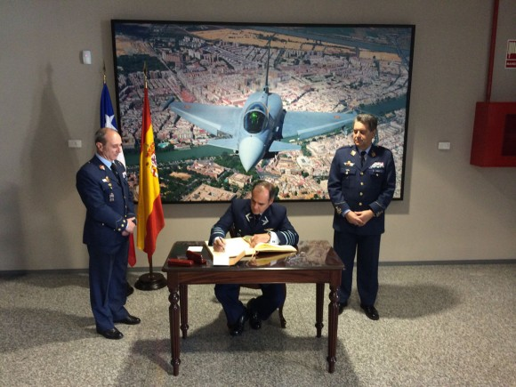 Comandante da FACh na Espanha - Base de Morónv- foto FACh