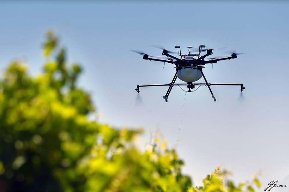 distribuzione liquidi con drone