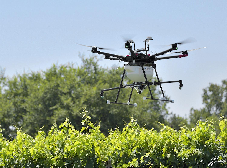 distribuzione liquidi con drone per agricoltura biologica