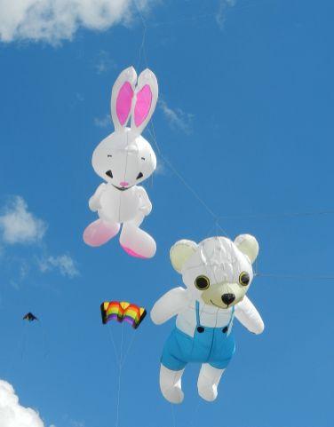 KiKa Kaninchen und Bär