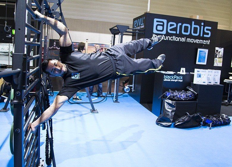 Bodyweight Exercises - Plank am verso360 Frame