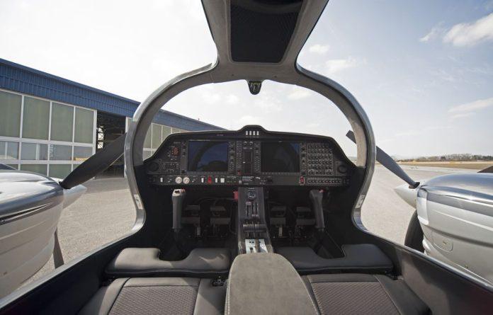 csm_DA62_Cockpit_40a847d9dc