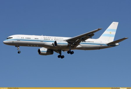 Boeing 757-23A (T-01)