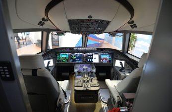 Cockpit do MC-21. Foto - Aleksey Kudenko