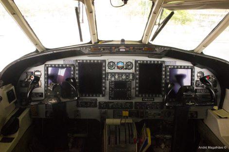 Cockpit do C-95M-Foto André Magalhães
