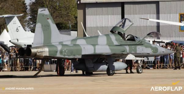 F-5EM nos preparos para o acionamento.