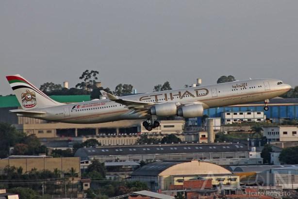 Etihad Airbus A340-500