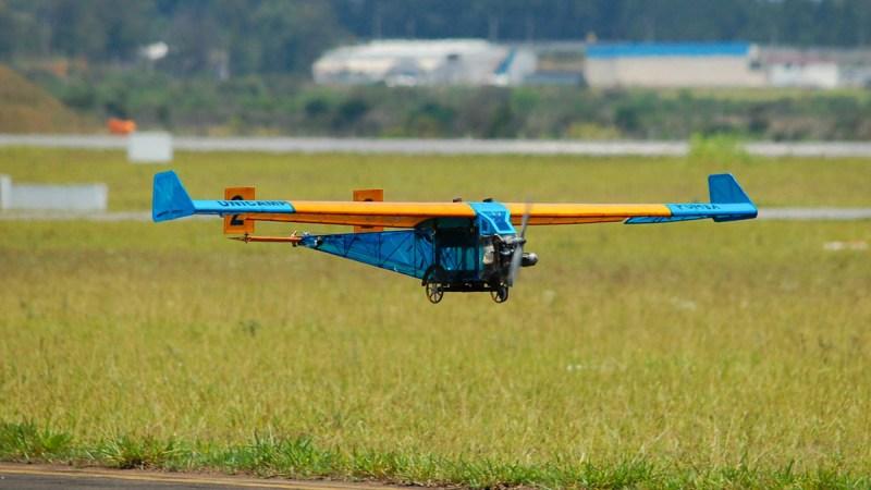 Aeronave da Equipe Urubus (Unicamp), campeã da competição do ano passado.