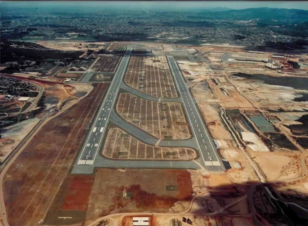 Fotos históricas retratam o nascimento do aeroporto de Guarulhos.