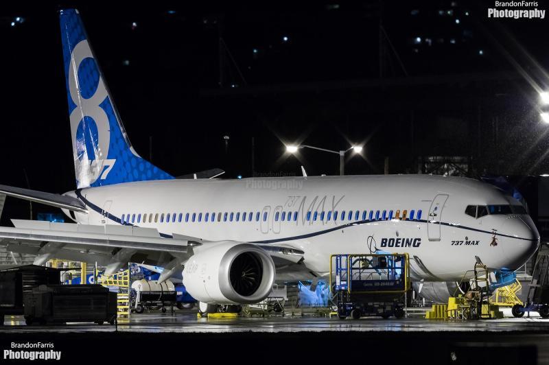 2 737 MAX