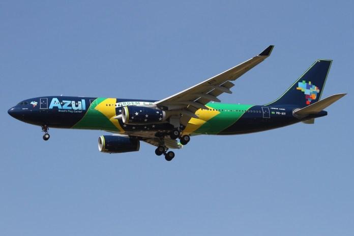 PR-AIV A330 Azul Bandeirao