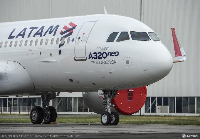 c8e3cc38d7 A LATAM Airlines Brasil se tornará o primeiro operador do modelo A320neo na  América do Sul. O Grupo LATAM Airlines foi o primeiro cliente do A320neo na  ...