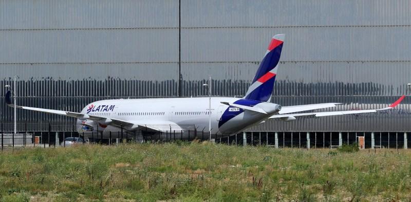 A350 LATAM PR-XTF A380_TLS_A350