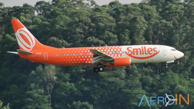 gol-boeing-737-smiles-161008