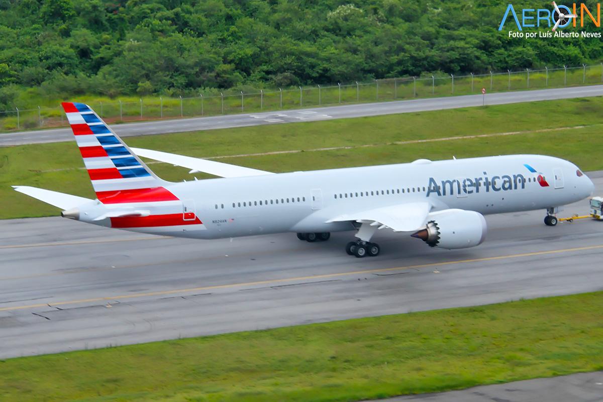 American Airlines leva sua classe executiva para a Sapucaí.