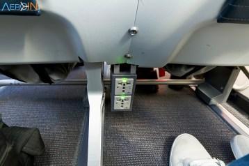 carregador universal de tomadas nos assentos